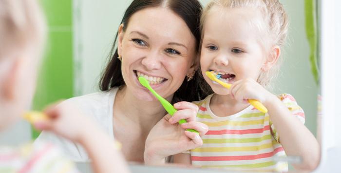 Zahnarztpraxis Dr. Josef Stoiber - Kindliche Zahnpflege